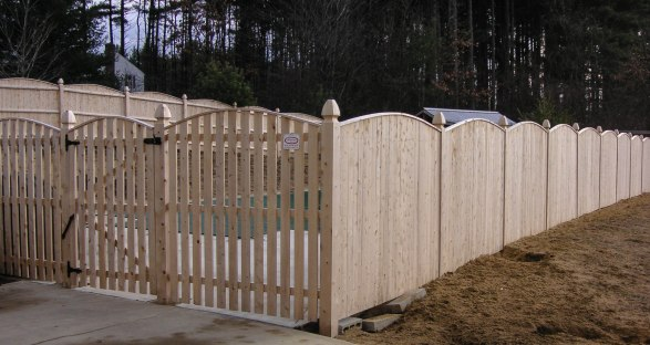 Spaced Strawberry Bank style combined with Strawberry Bank privacy fence set on Boston Top posts