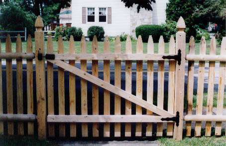 Spaced Picket gate set on 4x4 Boston Top posts