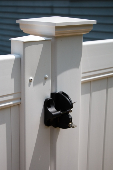 Vinyl gate latch