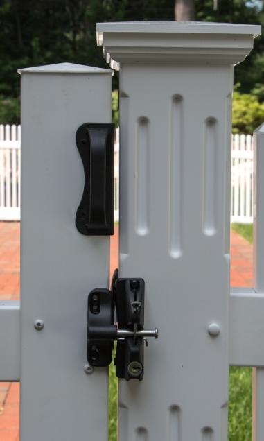 Standard hardware for vinyl gate