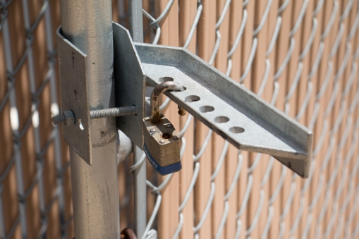 Cargo Latch for chain link gate
